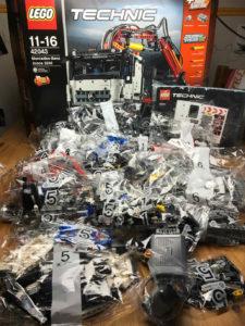 Lego® Technic 42043 Teileübersicht genauer