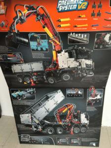 Lego Technic 42043 Karton innen
